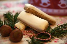 """V kuchyni """"Obyčejné ženy"""": Ořechové tyčinky s bílkovou polevou... Baked Goods, Dairy, Cheese, Baking, Recipes, Sony, Pastries, Xmas, Bakken"""