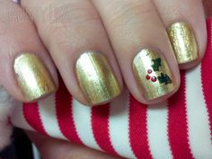 Jaunty Lisa: Christmas Holly. #nails #christmas #manicures