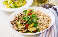 Healthy vegetarian meal - mushrooms shiitake, zucchini and oatmeal porridge on bowl Super Healthy Recipes, Healthy Foods To Eat, Healthy Dinner Recipes, Vegan Recipes, Healthy Eats, Vegan Zucchini, Healthy Food Delivery, Oatmeal Recipes, Oatmeal Porridge