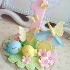 Novo formato #velajardim#velapassarinho #festajardim#festajardimencatado #jardimencantado#topodebolo Butterfly Birthday Party, Bird Party, Girl Birthday Themes, Diy Birthday, Foam Crafts, Diy And Crafts, Crafts For Kids, Clay Baby, Fondant Figures