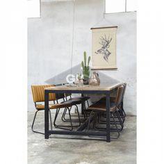 de connectie tussen de poten die net van de grond af is Dining Bench, Sweet Home, New Homes, Living Room, House, Furniture, Home Decor, Room Ideas, Mesas