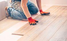 Badewanne lackieren | selbst.de Working Hands, Photo Work, Solar, Stock Photos, Flooring Installation, Creative Brochure, Templates, Health, Quotes