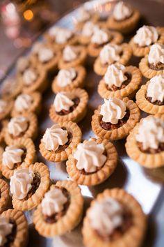 mini pecan pies | Courtney Dox #wedding