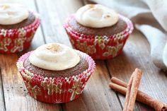 Hungry Girl's Gooey Gingerbread Cupcakes {150 calories each}
