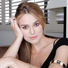 Keira Christine Knightley