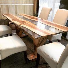 Nussholztisch mit Epoxid Wasserklar, Holz mit Harwachsöl beschichtet, Epoxid durchsichtig. Dining Bench, Inspiration, Furniture, Home Decor, See Through, Table, Biblical Inspiration, Decoration Home, Table Bench