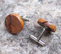 Wood cufflinks by OruAka
