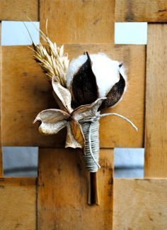 Cotton Boll Boutonniere - Natural Cotton - Raw Cotton - Wedding - Groom - Groomsmen. $15.00, via Etsy.