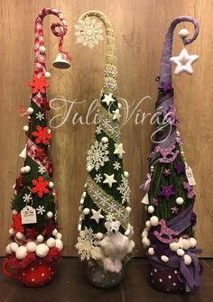 www.tulivirag.hu Cone Christmas Trees, Xmas Tree, Christmas Centerpieces, Christmas Decorations, Holiday Decor, Halloween Crafts, Christmas Crafts, Christmas Ornaments, Simple Christmas