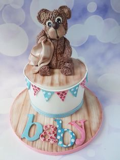 Baby shower cake by Jenny Dowd