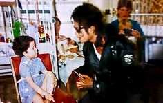 Mike doing what he loved❤ his vitiligo is pretty obvious here too ❤