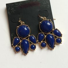 NWT Chandelier Style Drop Earrings Navy blue colored beads gather on a gold tone drop earring. No trades. Generous discount with bundle. Dress Barn Jewelry Earrings
