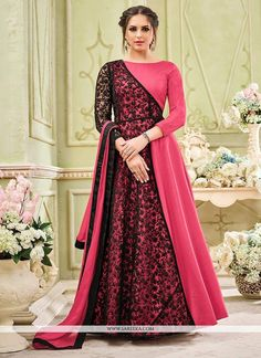 Anarkali Suits - Buy Indian Anarkali Suits with the latest designs and attractive offers online. Best collection of Partywear and festive wear Anarkali Dress for women. Indian Gowns Dresses, Pakistani Dresses, Indian Outfits, Girls Dresses, Pakistani Clothing, Indian Anarkali, Flapper Dresses, Abaya Fashion, Indian Fashion