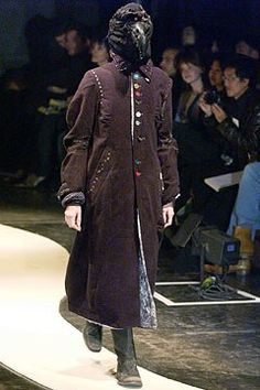 Undercover Fall 2004 Ready-to-Wear Fashion Show Collection Asian Fashion, High Fashion, Jun Takahashi, The Soloist, Straight Jacket, Fashion Show Collection, Undercover, Fashion Sketches, Custom Clothes