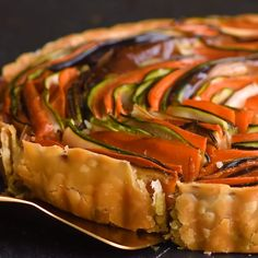 Spiral Vegetable Tart At So Yummy, you'll find recipes, easy dinner … - Comida Faciles Y Rapida Tart Recipes, Vegan Recipes, Cooking Recipes, Vegetarian Recipes Videos, Cooking Games, Curry Recipes, Salad Recipes, Vegetable Tart, Vegetable Recipes