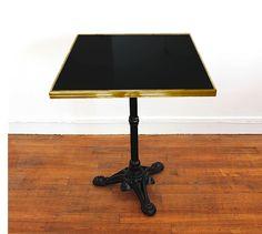 table de bistrot carrée émaillée jaune