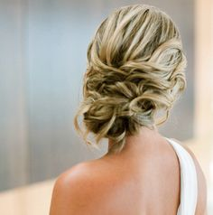 New Wedding Hairstyles To Try. To see more: http://www.modwedding.com/2014/06/02/new-wedding-hairstyles-inspiration/  #wedding #weddings #hair #hairstyle #fashion Featured Photographer: Linda Chaja