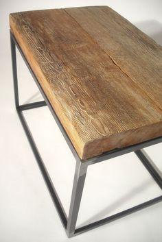 Nos encanta combinar madera con hierro. Ideal en mesas ratonas y mesas de apoyo.