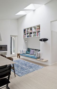 Are you looking to brighten up a dull room and searching for interior design tips? One great way to help you liven up a room is by painting and giving it a whole new look. Decor Interior Design, Interior Decorating, Daybed With Storage, Hygge Home, Scandinavian Home, New Living Room, Cozy House, Interior And Exterior, Home Furniture