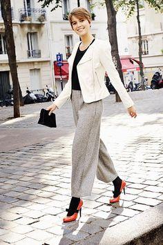 Pauline Arfeuille wore a Ventcouvert leather jacket, vintage trousers, Lanvin pumps and Balmain clutch.
