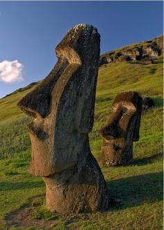 Kamienne olbrzymy - Wyspy Wielkanocne