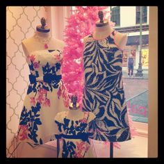 #LillyHoliday Window Shopping