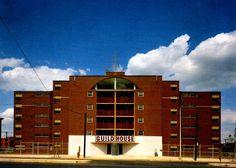 Robert Venturi.Guild House Retirement Home in Philadelphia, Pennsylvania, 1960-1963