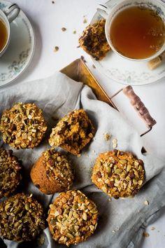 Muffins à la citrouille et au chocolat - K pour Katrine Muffin Bread, Healthy Sweets, Healthy Eating, Chocolate Muffins, Breakfast Muffins, Pumpkin Recipes, No Cook Meals, Cravings, Vegetarian Recipes