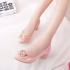 36.72$  Buy now - http://ali1vn.shopchina.info/go.php?t=32307381972 - 2015 Spring Ladies Women Mid Heels Court Shoes Round toe Patent leather Work Pumps party candy color thick heel Low shoes XO039  #buychinaproducts