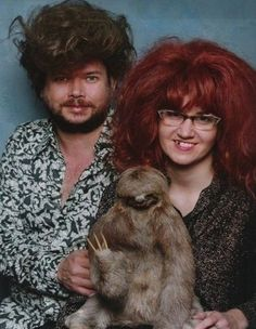The 49 Most WTF Pictures Of People Posing With Animals SO funny ! This sloth picture is Roets Photoshop Fails, Haha Funny, Hilarious, Funny Stuff, Funny Humor, Funny People Pictures, Funny Pics, Weird Pictures, School Pictures