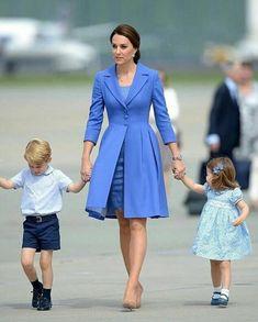 Принц Уильям повторил фото Кейт Миддлтон когда она была маленькой - В мире на Joinfo.ua