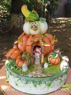 pumpkin house cake ~ adorable!