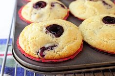 Ricotta-Cherry-Muffins