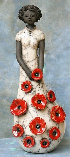 Hilda Soyer Ceramic Female Sculpture adorned w/Poppies♥✿♥ Sculptures Céramiques, Art Sculpture, Pottery Sculpture, Abstract Sculpture, Bronze Sculpture, Ceramic Clay, Ceramic Pottery, Ceramic Figures, Clay Figures
