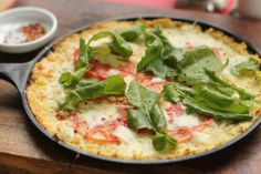 Tips for making cauliflower pizza crust // Cauliflower Pizza Crust Topped with Arugula Salad