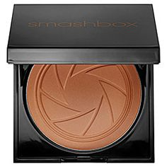 What it is:An eight-hour wear, refined bronzer with coated pigments that make it easier to blend. What it does:This bronzer enhances your skintone so that you look like you've spent time in the California sun. Infused with Photoset Mineral Complex s