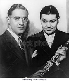 BENNY GOODMAN at left with fellow big band leader Jack Teagarden about 1938 - Stock Image