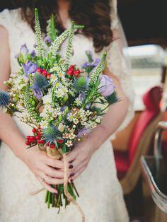 Meadow wedding bouquets. Bouquet: Just Flowers Photography: Ellie Gillard