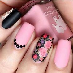 Matte pink, black and floral nails Gorgeous Nails, Pretty Nails, Pink Nails, My Nails, Matte Pink, Uñas Diy, Nailart, Really Cute Nails, Magic Nails