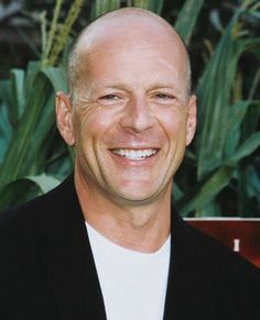 bruce willis, always looks so nice.His face shines, and his smile is contagious. Bruce Willis, Star Wars, People Of Interest, The Expendables, International Film Festival, Film Movie, Movies, Movie Stars, Actors & Actresses
