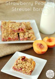 Strawberry Peach Streusel Bars l www.a-kitchen-addiction.com