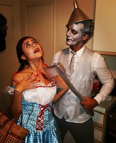 Kostüme The Tin Man stole my heart. Tin Man Costumes, Scary Couples Halloween Costumes, Funny Couple Halloween Costumes, Best Couples Costumes, Halloween Outfits, Diy Costumes, Halloween Party, Costume Ideas, Costume Halloween