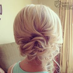 I want to be able to style my hair cute! Short Hair Updo, My Hairstyle, Pretty Hairstyles, Wedding Hairstyles, Short Hair Styles, Curly Bun, Messy Updo, Wedding Updo, Messy Curls