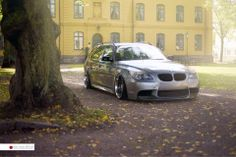 BMW E61 5 series Touring grey slammed