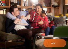 Mientras, en Nueva York, Santana y Rachel descubren uno de los placeres de Kurt. Glee - Jueves 22.00 #SoyGleek #MeGustaFOX http://www.canalfox.com/glee