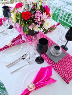 Pink Shweshwe Traditional Wedding decór @Shonga Events Setswana Traditional Dresses, Zulu Traditional Wedding, Traditional Decor, Chic Wedding, Zulu Wedding, Wedding Table, Dream Wedding, Africa Cake, African Wedding Theme