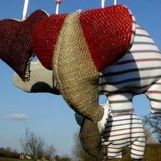 #Babymobile mit Elefanten und Herzen, alle Produkte von Nandi - Upcycled Art & Craft sind handgemachte Unikate - erhältlich im Shop unter: http://de.dawanda.com/shop/NandiShop