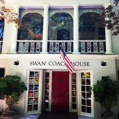 The Swan Coach House in Atlanta is the perfect Buckhead lunch spot! We love the chicken salad & pimento cheese.