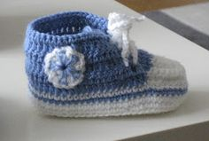 Puikkojen polut 2 : Vauvan lenkkaritossut Handicraft, Baby Shoes, Beanie, Hats, Adidas, Fashion, Craft, Moda, Hat