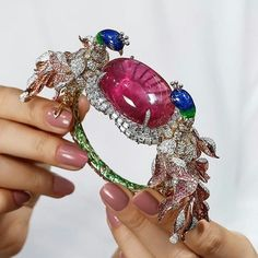 How incredible is this bangle from Anil Bharwani? featuring an enormous pink tourmaline, diamonds and enamel work. Unusual Jewelry, Modern Jewelry, Jewelry Art, Gemstone Jewelry, Vintage Jewelry, Fine Jewelry, Jewelry Design, Jewellery, Bangle Bracelets